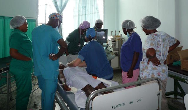 Spinaal team naar Ghana